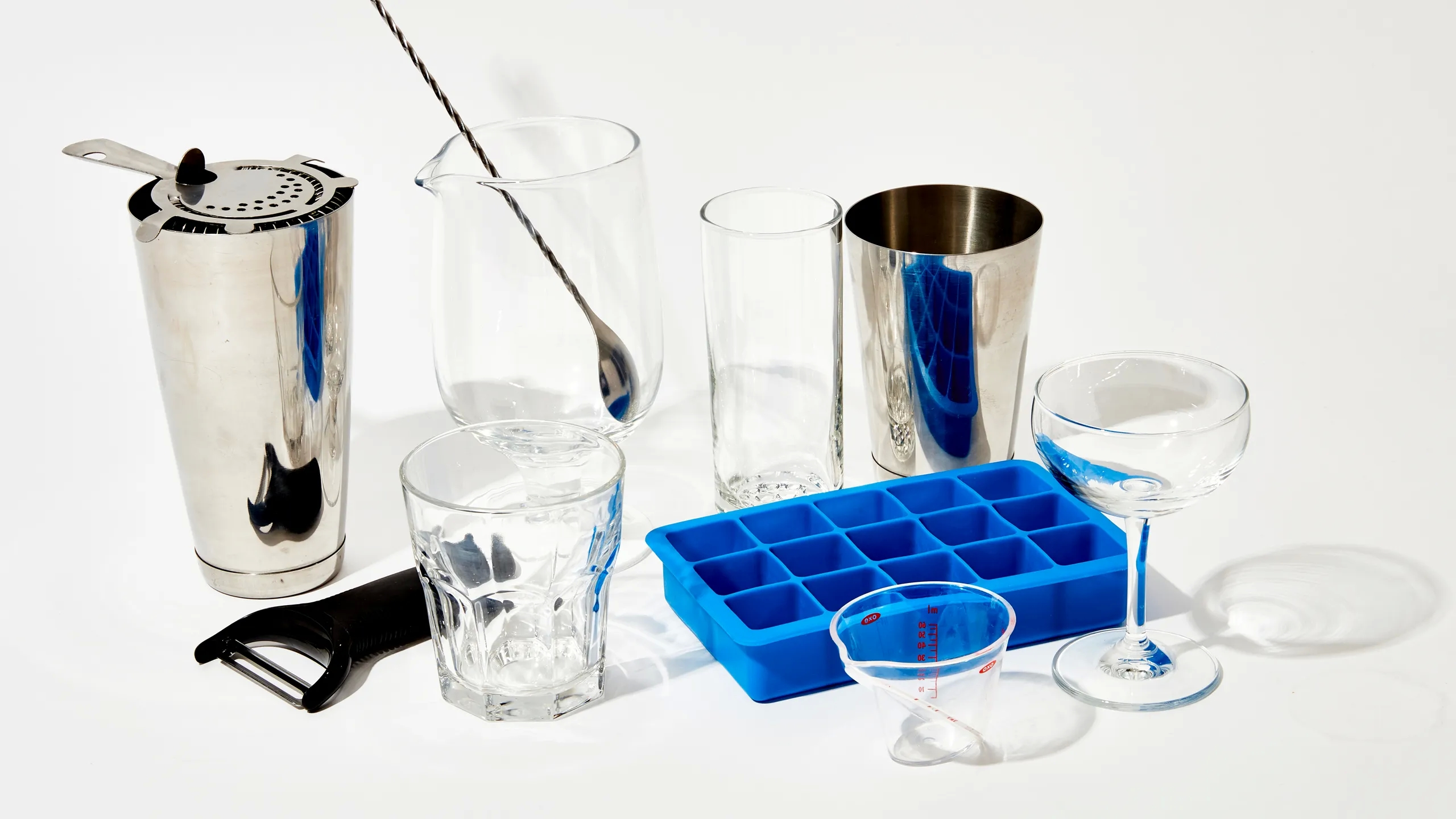 Prepare the best drinks and cocktails with the cocktail equipment of the best brand in the market